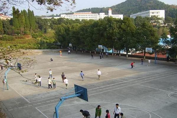 绵阳中专学校排名